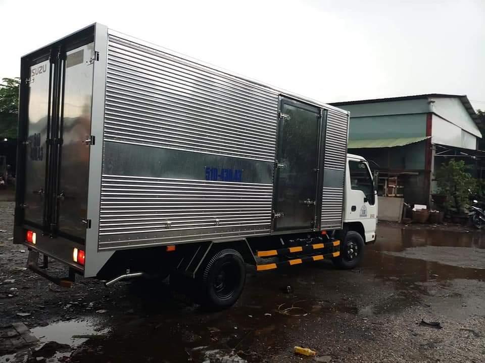 xe tải chở hàng 2 tấn 4m3 ngang 1m8